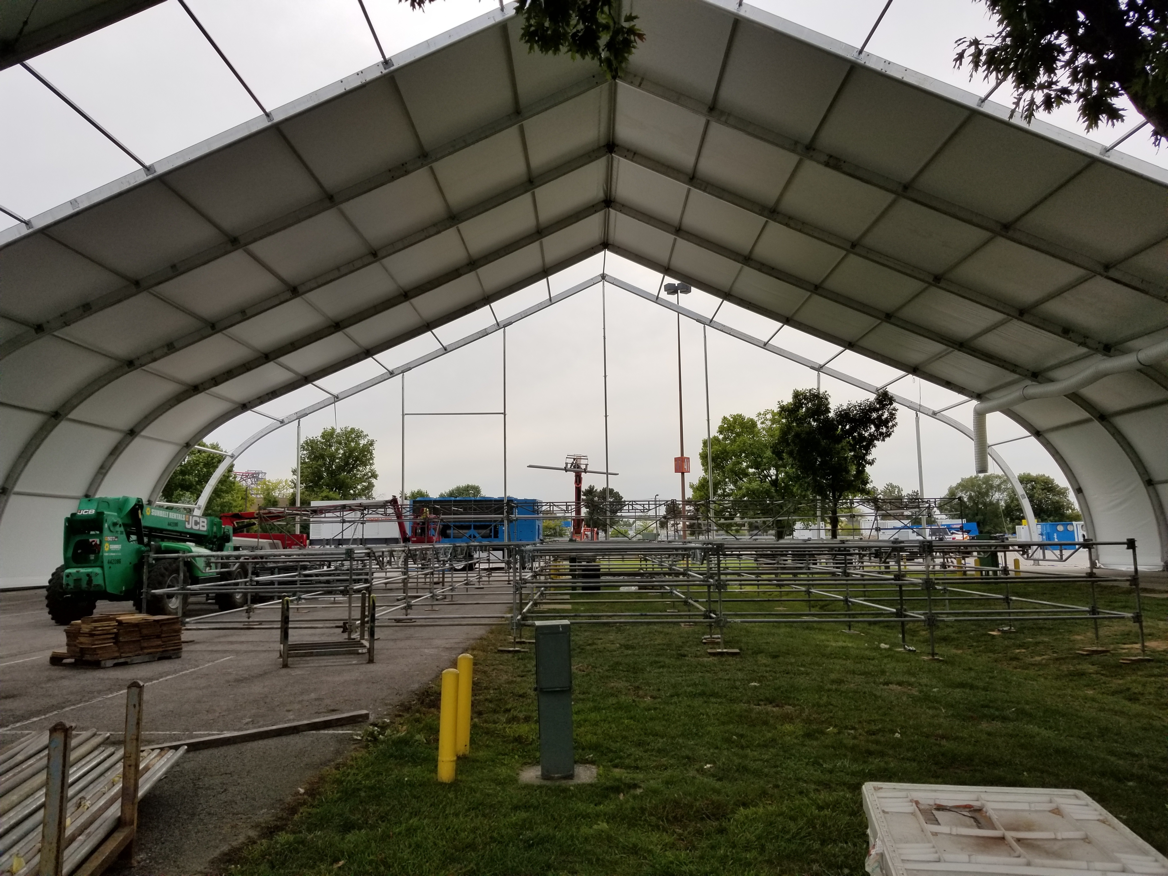 Temporary structure installation for trade show